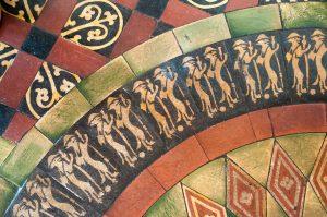 detail van tegels in mozaiek
